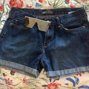 Levi's LIKE NEW jean shorts